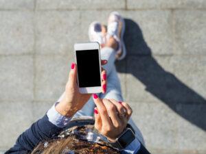 naprawa ekranu w iPhonie